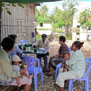 Cambodia-clinic-scene